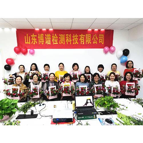 三八妇女节插花活动